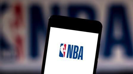 NBA热点  湖人铁渣正式宣布退出复赛 听完理由后我却流泪了