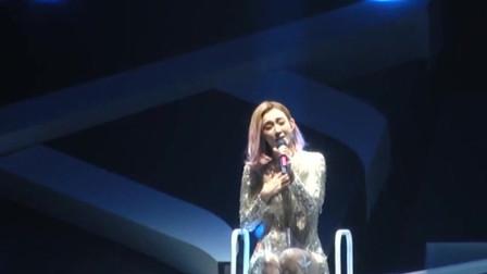 范玮琪演唱会上唱《黑白配》,一首好听的老歌,让人回味无穷