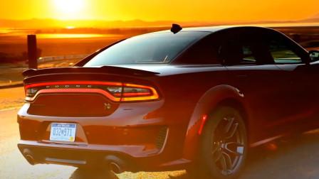 正宗美式肌肉车的狂野味道!2020道奇战马Charger Scat Pack展示