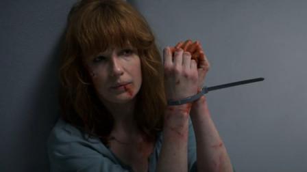 男子把美女囚禁在隔音室,却遇到狠茬子,结局太惨了!