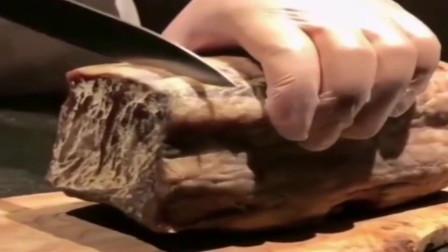 香港餐厅大厨拿出来的这个,我还以为是大块吐司!你能猜到是什么吗?