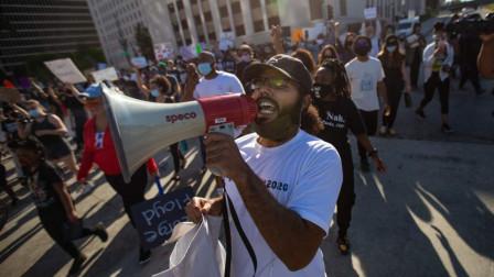 抗议示威蔓延至多国,英国数千人示威,加拿大也乱套了