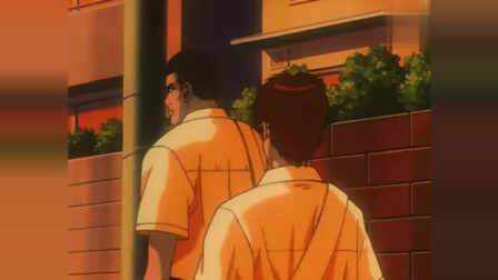 灌篮高手:木暮问着赤木一个问题后,若有所思看着赤木的背影