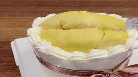 来广东第一次过生日,姐妹们给我订的榴莲蛋糕,这榴莲太实在了。