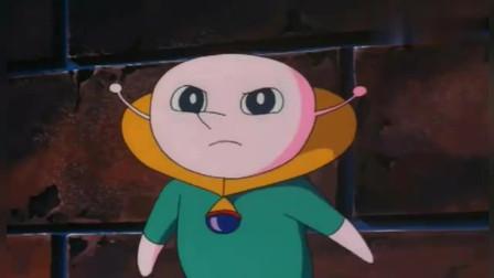哆啦A梦:静香,叮当猫要决定改造大伙的性能,小夫被胖虎锤