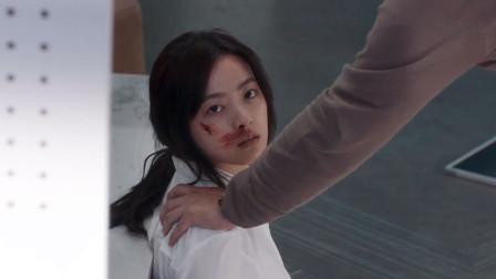 谷阿莫:她被老爸打到耳膜破裂,妈妈视而不见,男友还被发现是个给2019《坚持住》
