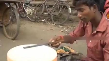 印度刀工对比中国刀工,芝士片片厚度均匀,该说抠门还是抠门呢?