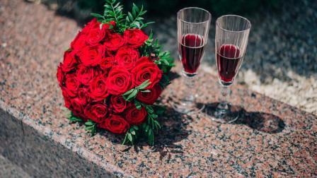十二星座会如何庆祝母亲节?巨蟹陪老妈逛街,处女送鲜花