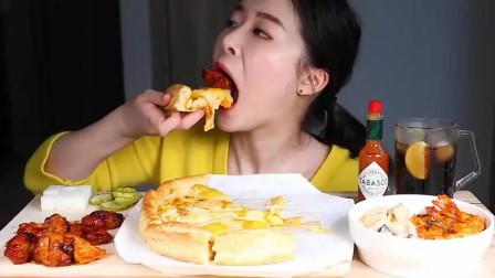 韩国吃播,超厚芝士大披萨,吃得津津有味,让人垂涎欲滴!