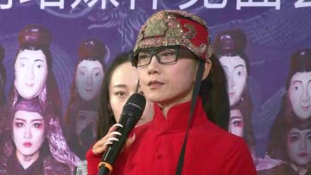 """杨丽萍晒美食 网友评""""女人最大的失败是无儿女"""""""