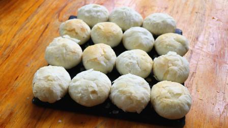 家里有猪油的可以试试做酥饼,酥香可口又鲜又香,吃一口掉一地渣