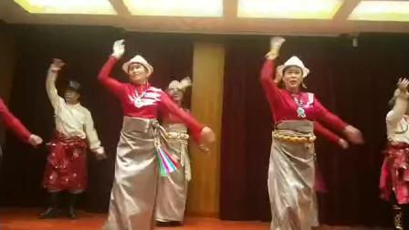 跳果洛锅庄13舞韵