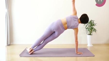 瑜伽少女:瑜伽能收紧肚子,让你练出马甲线