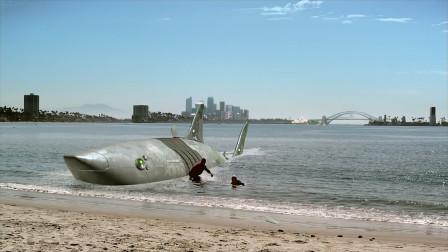 超级鲨大战机器鲨:鲨鱼体型巨大,人类派出机器鲨应战,谁输谁赢