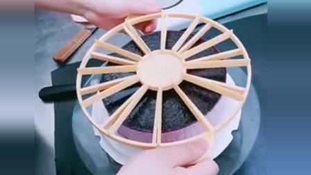 难怪慕斯蛋糕都那么整齐,原来是这样切的,强迫症表示也想切一下!