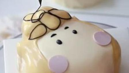 做蛋糕日常~#异形卡通蛋糕 #卡通蛋糕 #切蛋糕