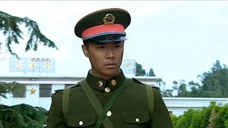 钢七连举行新兵入伍仪式,场面太霸气,成才在一旁边后悔哭了!