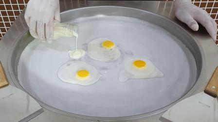 """老外研究暗黑美食,用""""生鸡蛋""""炒冰淇淋,看到成品忍不住咽口水"""