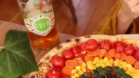 """日本的""""巨无霸""""水果披萨,直接上嘴啃,最过瘾"""