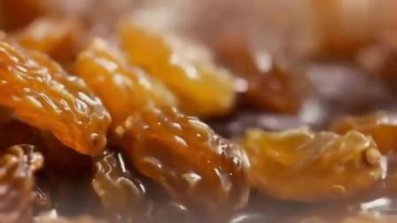 舌尖上的中国:新疆女人的绝活——手抓饭,必须用手抓才美味