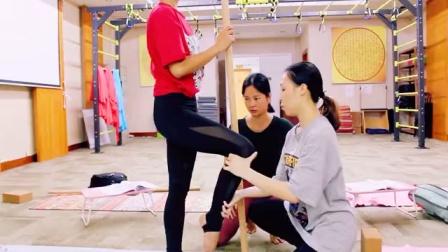 瑜伽中心在哪里,瑜伽教练培训中心的规模是不是会比较大,比较靠谱