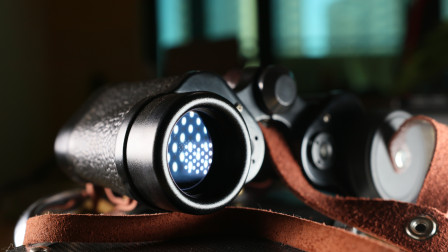 见证共和国的发展,详解8X30云光62式军用望远镜,蓝色镀膜太美了