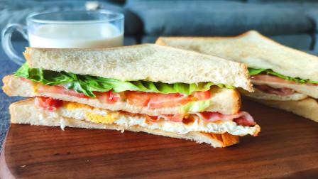 【鸡蛋培根三明治】早上来一份鸡蛋培根三明治,健康又美味,一整天都元气满满!