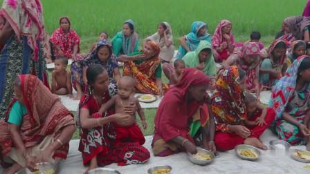 80岁老人生日宴,邀请全村人一起享受罕见的大象脚,又能饱餐一顿