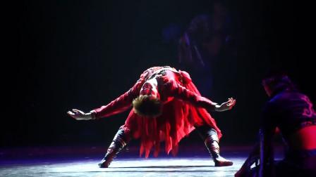 刘福洋经典舞蹈《红色英雄》,c位红色男主,怎么看都喜欢啊!