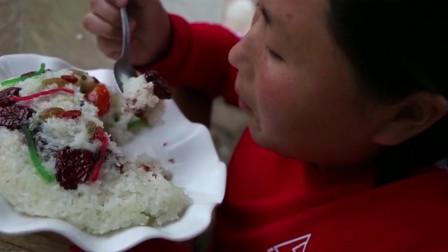 胖妹做八宝焖饭,软糯香甜,一层更比一层香,大口吃过瘾