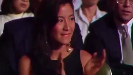 江苏淮安大哥:徐小凤年轻时候好漂亮呀,和梅艳芳同穿波点裙唱歌的画面太美了