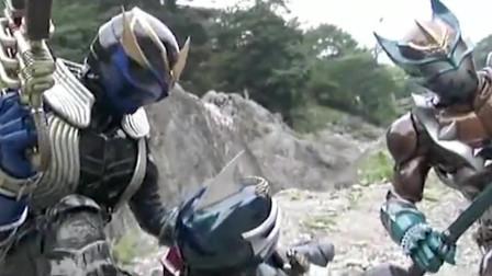 假面骑士:巨妖蜘蛛对战三骑士,装甲响鬼实力太强,一个人就搞定了