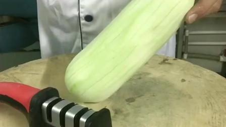 福建泉州小哥:店里新招的厨师,这刀工大家看能给多少工资
