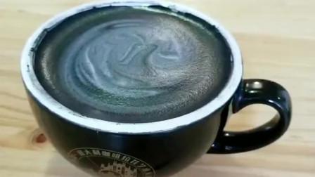 美国米其林里点了杯黑咖啡,咖啡师亲自端来,可我却觉得哪怪怪的?