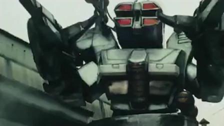 假面骑士:RX面临危险之时,超光速战车瞬间觉醒