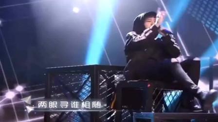 华晨宇翻唱高迪的金曲《一人我饮酒醉》,另类的演唱,太燃了,燃爆全场,好听到极致啊!
