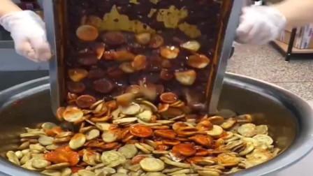 湖南出品的辣条这样做,不明白人民为什么喜欢吃辣条?网友:便宜?