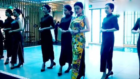 旗袍步态三种风格:古典温婉、现代时尚与魅力风情,迷人至极!