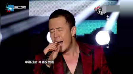 老牌歌手杨坤一曲唱罢全场欢呼!杨坤老师这歌技是不服不行!