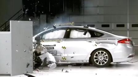 看了蒙迪欧和君越的碰撞测试,才知道美系车是真耐撞!