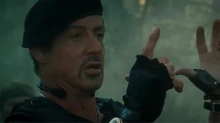 史泰龙也太霸气了,被敌军包围,竟用手指开枪!