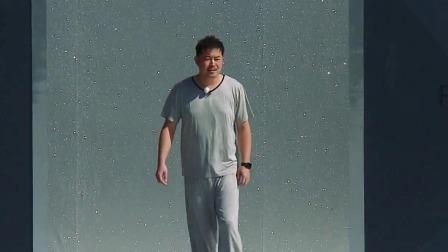 蔡徐坤演绎睡衣时尚,沙溢彻底放飞自我!