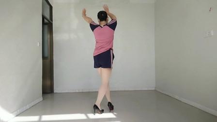 背面走路舞《姑娘跟我走》超简单,看看就学会了