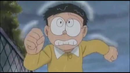 哆啦A梦:大雄雨夜狂奔,被神秘飞碟袭击,哆啦A梦苦苦寻他