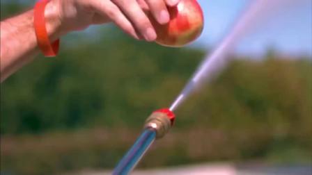 江西小姐姐:高压水枪切割苹果,威力十足