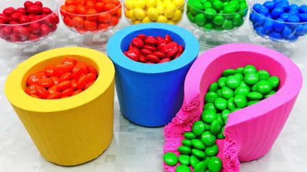 DIY:牛人用太空沙打造五彩杯子,配上巧克力豆太满足!