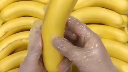 陕西网友:第一眼还以为这是真的香蕉呢,没想到居然是馒头做的,简直是一模一样啊!