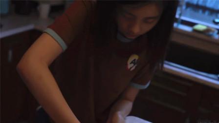 多多父亲节做手撕面包动作熟练,做手工贺卡表白黄磊超用心
