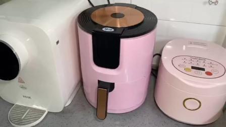 用空气炸锅做纸杯蛋糕,速度很快还方便,好吃卖相又好