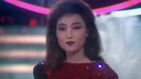 徐小凤年轻时候好漂亮呀,和梅艳芳同穿波点裙唱歌的画面太美了